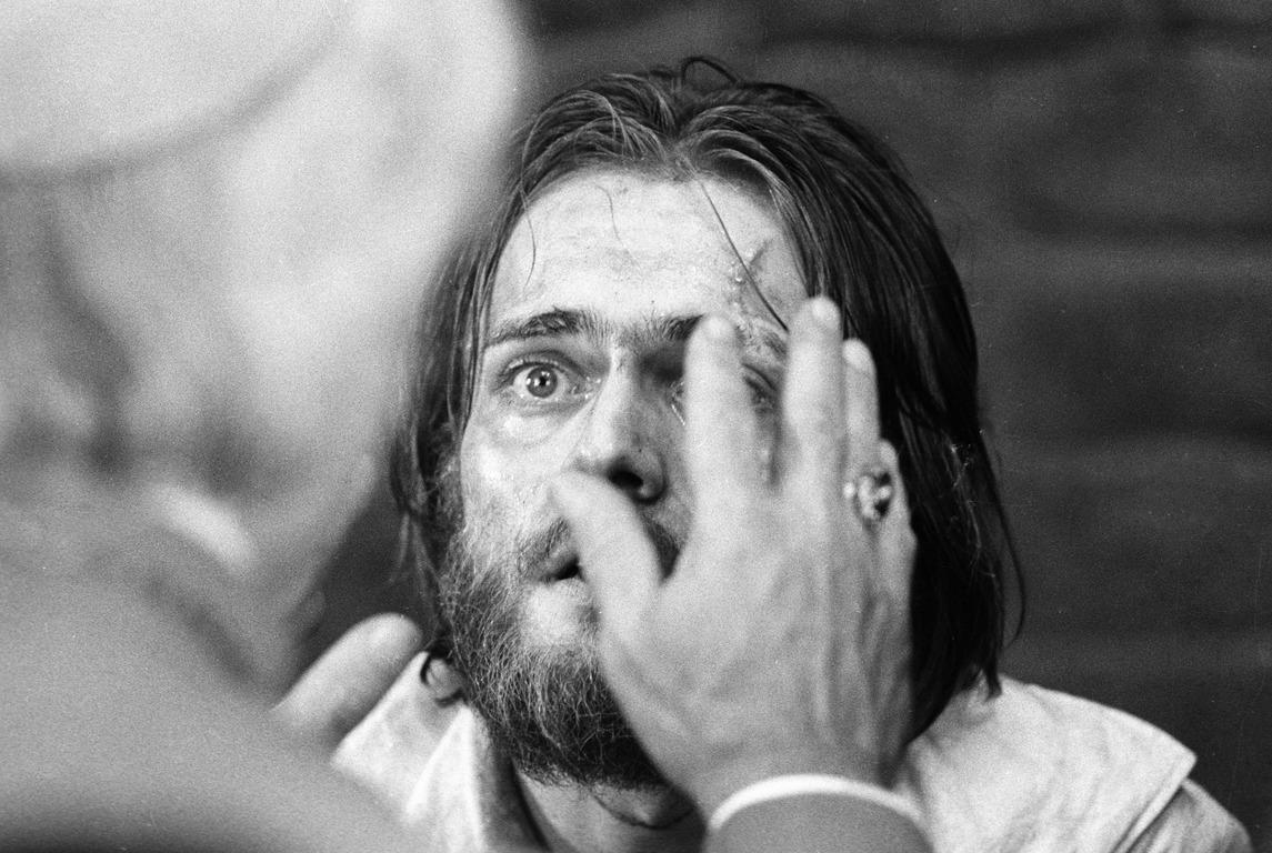 Актер Андрей Харитонов в последние годы жизни в одиночестве и нищете боролся с тяжелой болезнью