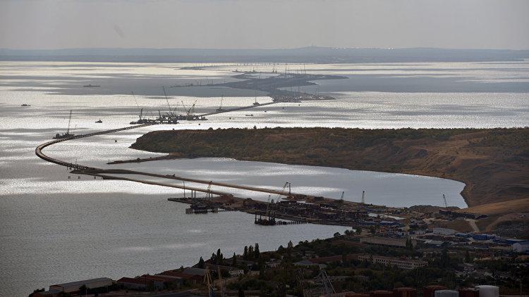 Генподрядчик возведения моста вКрым поведал озарплатах рабочих