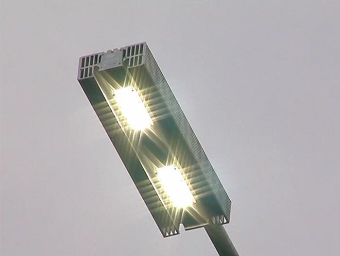Под Воронежем вдоль дороги установили 914 светодиодных светильников