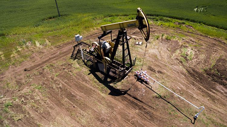 Мировые цены: Нефть дорожает на фоне сделки по сокращению добычи