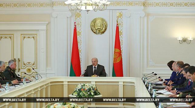 Лукашенко: жители России непонимают, что они делают награнице с Белоруссией