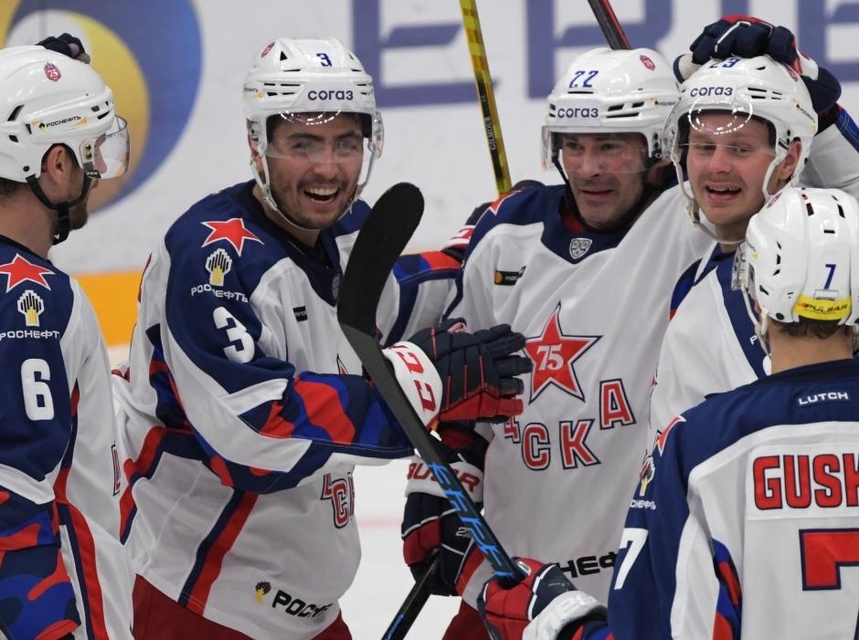 Хет-трик Плотникова принес ЦСКА победу над «Спартаком» в матче регулярного чемпионата КХЛ
