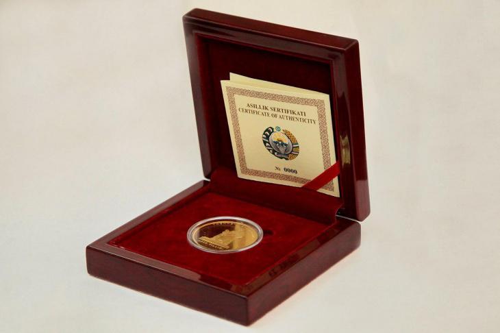 ЦБ назвал стоимость выпускаемых в продажу золотых и серебряных монет