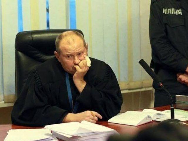 Судья Чаус получил $150 тыс. взятки поделу пенсионерки, которая торговала димедролом