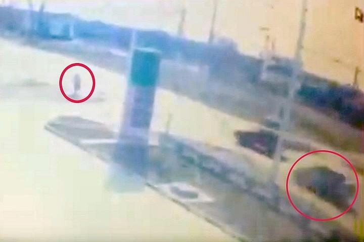 В российской столице мужчина выстрелил влицо женщине иизбил битой еесына