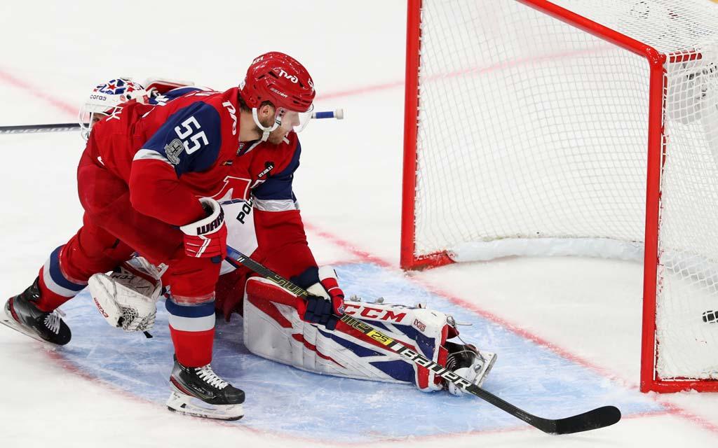 Бронзовый призер чемпионата мира Ткачев стал хоккеистом «Трактора»
