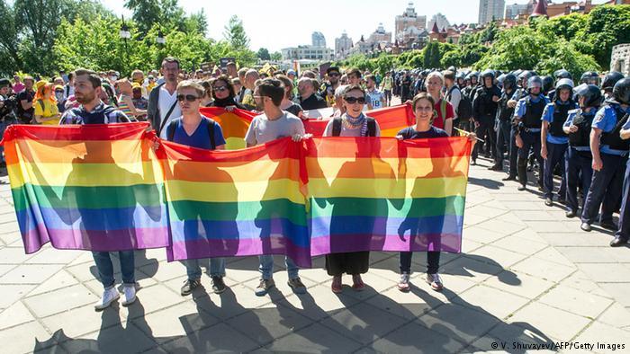 В2017 году ЛГБТ-марш вКиеве планируют провести наКрещатике— активист