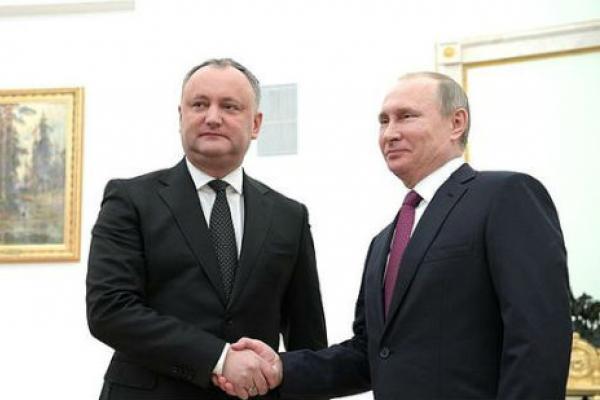 Додон запретил праздновать День Европы вместо Дня Победы вМолдавии