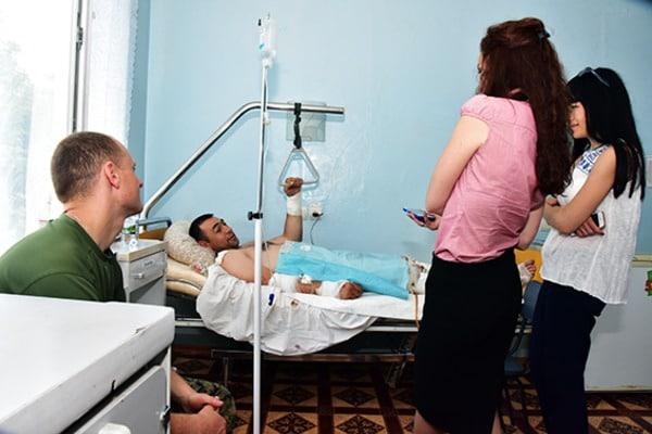 Во время спецоперации Мариуполе полицейский получил 50 осколочных ранений