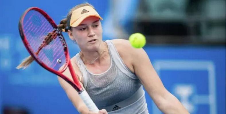 Рыбакина разгромила соперницу во втором сете и вышла во второй круг турнира WTA в Испании