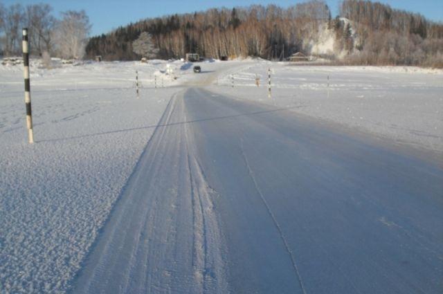 Насевере Омской области начала действовать очередная ледовая дорога