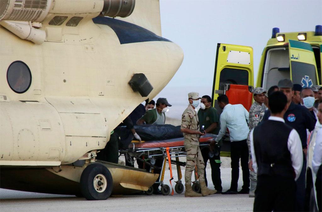 Важно: Видео падения авиалайнера Airbus A321 и фотографии с места катастрофы в Египте (27 фото + 8 видео)