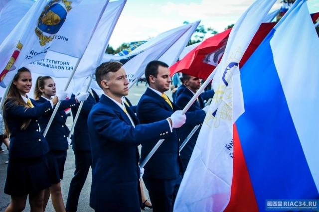 Губернатор Ставрополья поздравил участников Парада студенчества