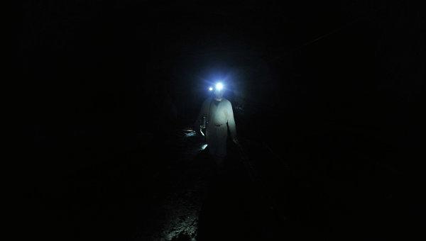 Криворожские шахтеры отказались подниматься наповерхность до поднятия зарплат
