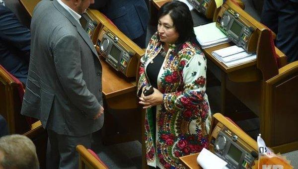 Депутат Мария Матиос сопозданием подала декларацию