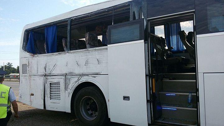 ВУфе рейсовый автобус изКазани налетел наэлектроопору