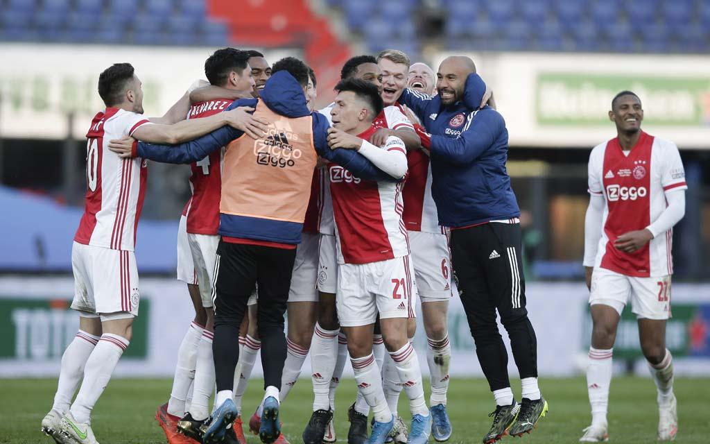 «Аякс» стал 35-кратным чемпионом Нидерландов по футболу