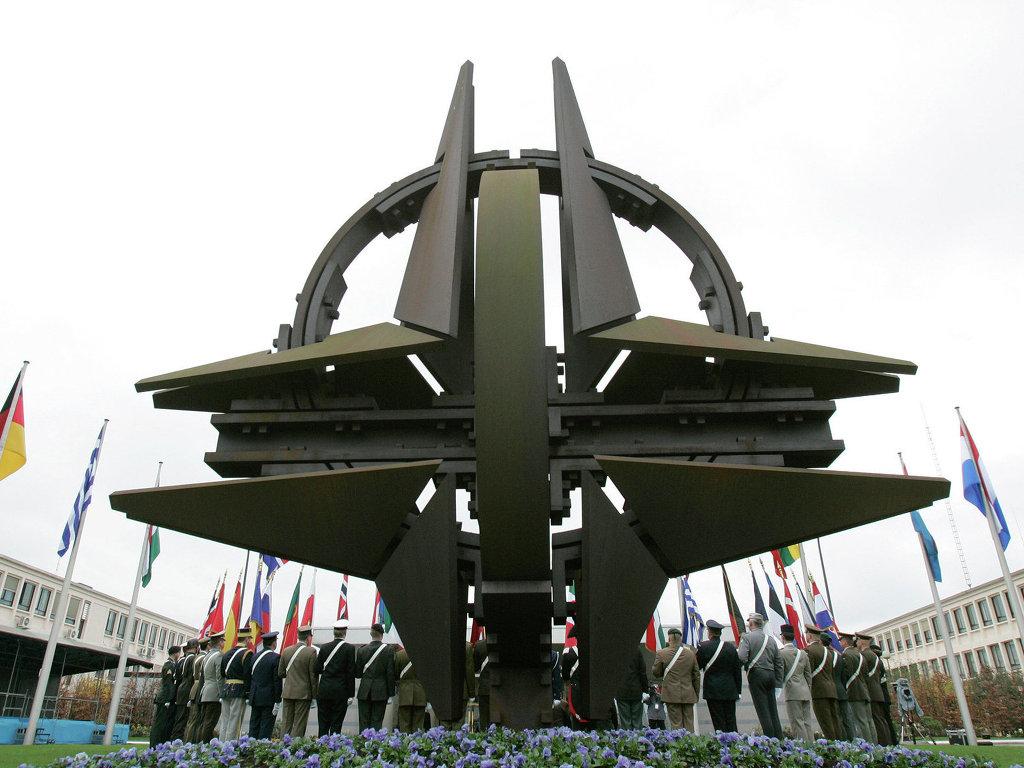 НАТО заявляет об активности ВВС РФ в воздушном пространстве Европы