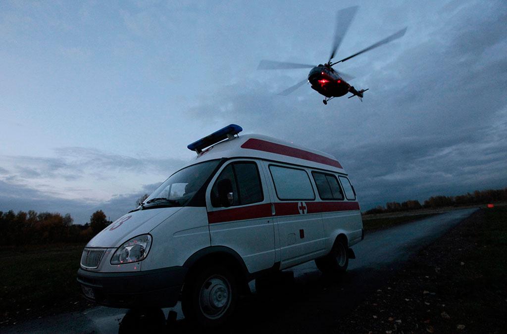 Очевидцы сообщили о падении вертолета в озеро на Алтае