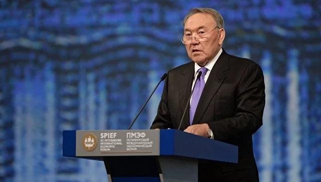 Назарбаев: Президентом Казахстана вполне может стать женщина