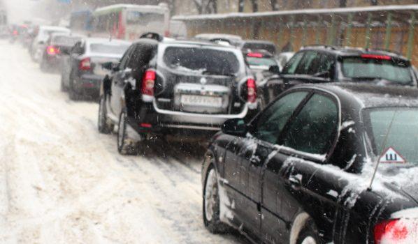 Неменее 10 тыс. воронежцев из-за снегопада остались без света