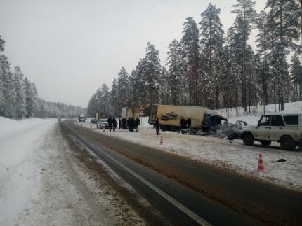 ВЛенобласти фургон протаранил маршрутку, необошлось без жертв