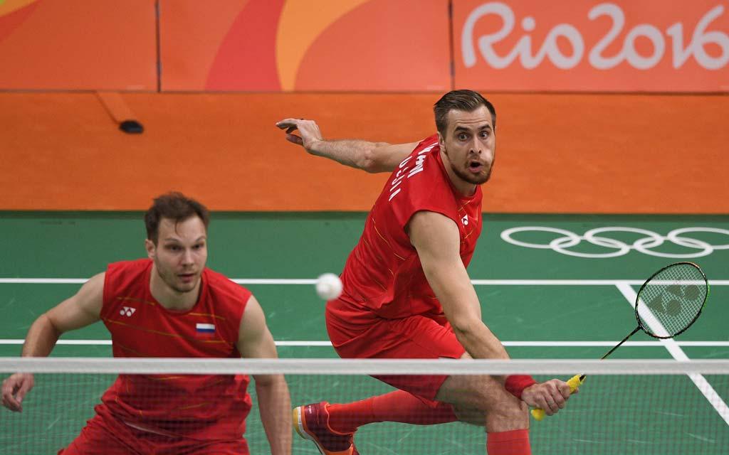 Бадминтонисты Иванов и Созонов стали чемпионами Европы в связи с COVID-19 у соперника