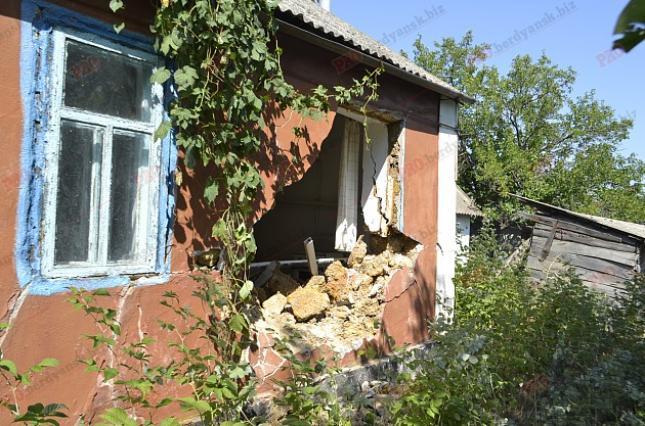 Броневик Нацгвардии протаранил дом вЗапорожской области