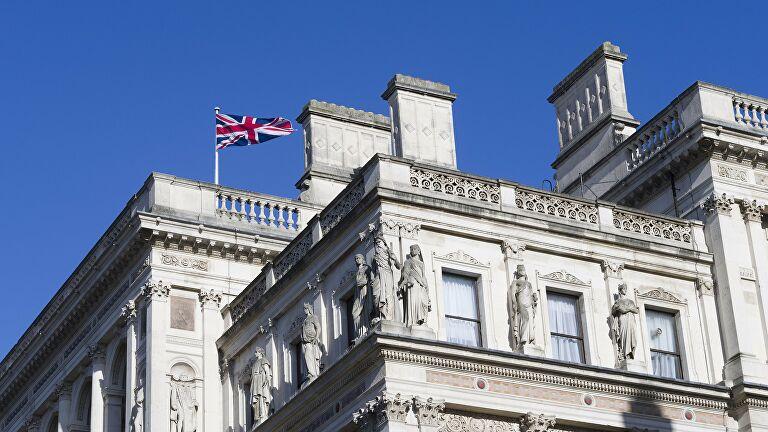 Великобритания ввела новые санкции против России