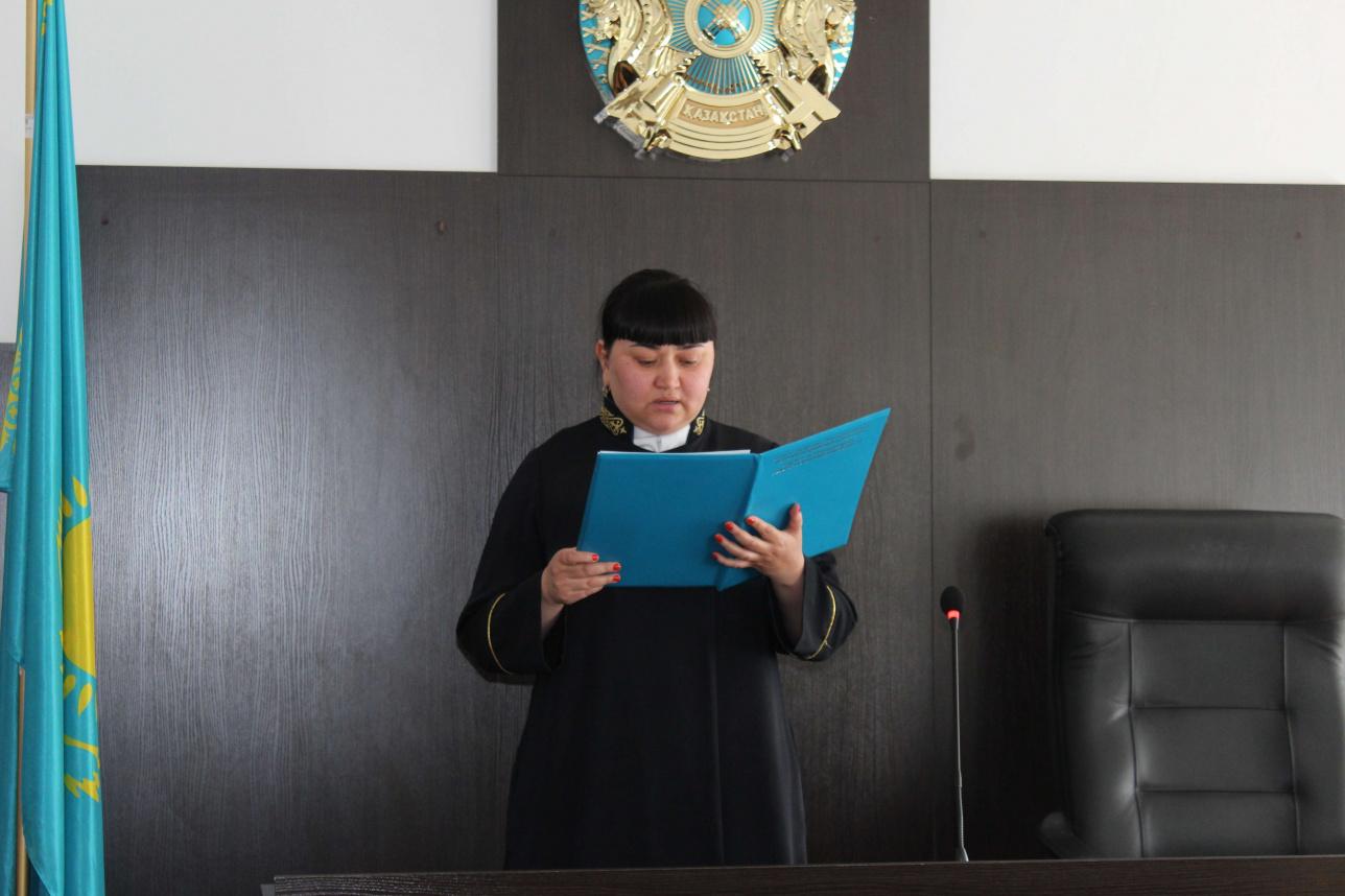 Адвокату запрещено занимать должности