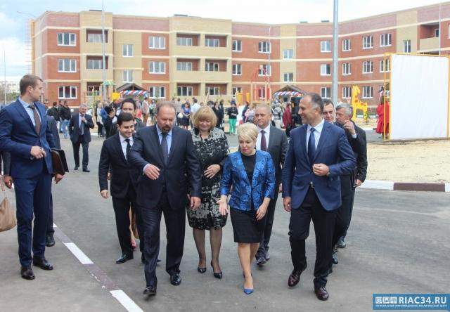 Качество жилья вВолжском проверил министр возведения РФМихаил Мень