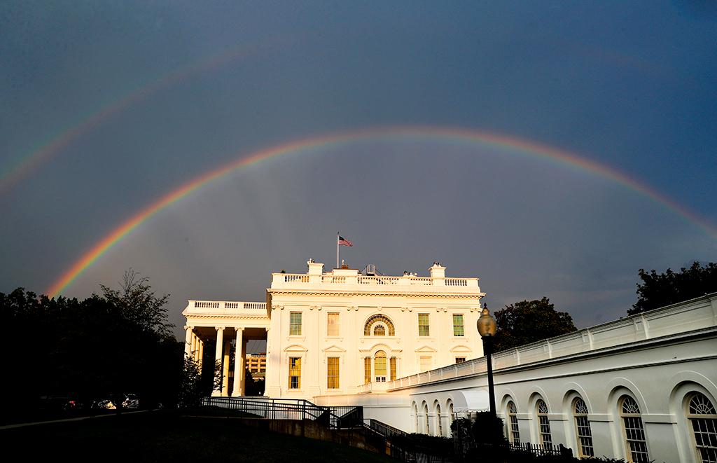 Можно ли назвать Белый дом помойкой?