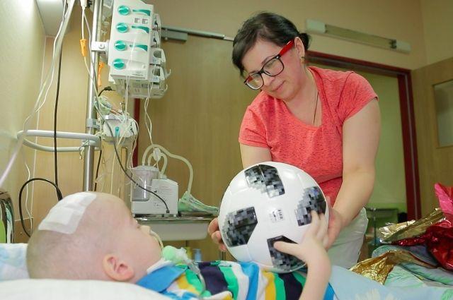 Футболисты сборной Российской Федерации исполнили желания нескольких ребят, укоторых диагностировали рак