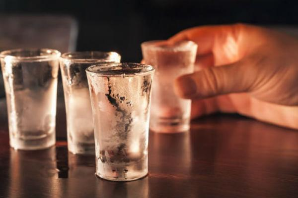 Названы самые пьющие страны европейского союза . Лидирует Эстония