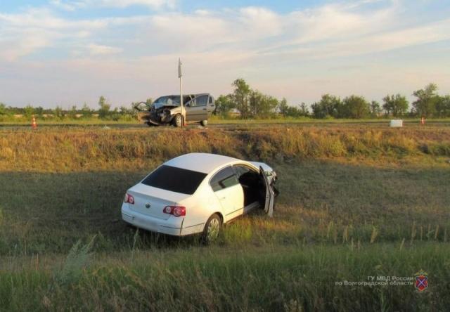Один пассажир умер идвое пострадали вДТП вВолгоградской области
