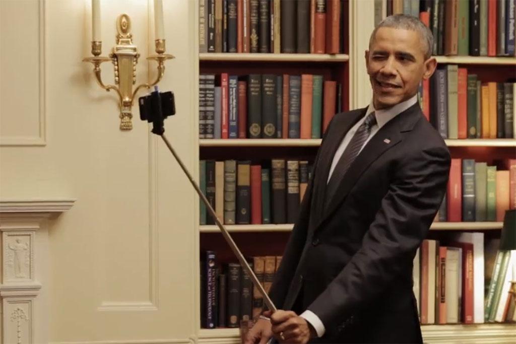 Обама покривлялся перед зеркалом