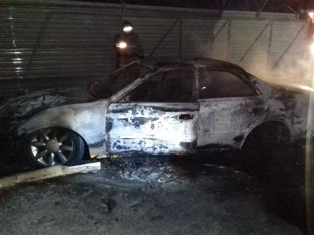 Автомобиль Toyota Mark II сгорел в Иркутске ночью 27 июня