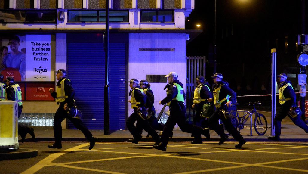 Срочно! Теракт в Лондоне пострадавших 50 человек (8 фото + 3 видео)