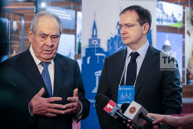 Руководитель Минкультуры Владимир Мединский сообщил Шаймиеву одно изсамых уникальных объявлений Корана