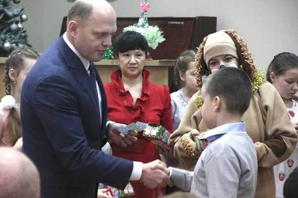ВНижегородском областном суде повесили люстру затри млн. руб.