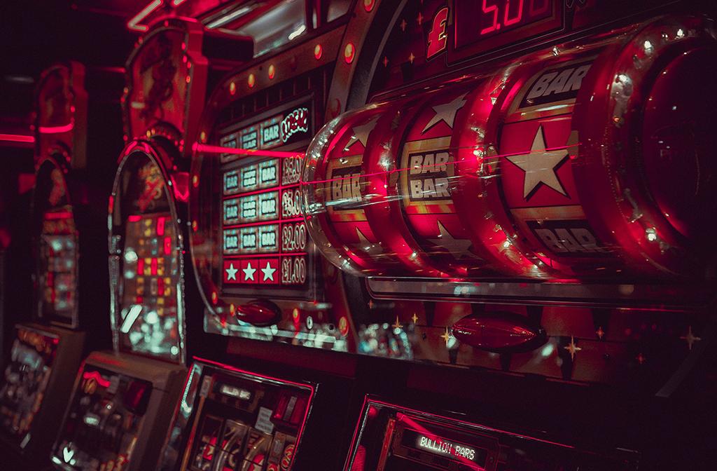 охранник в казино в москве