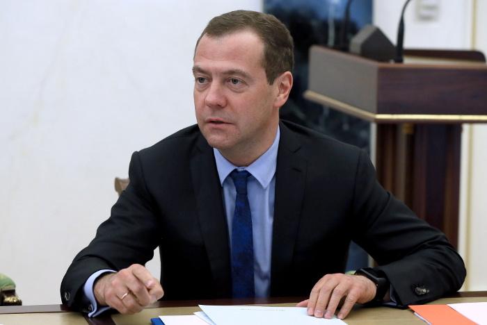 Медведев подписал соглашение о совместном производстве фильмов РФ и Индии