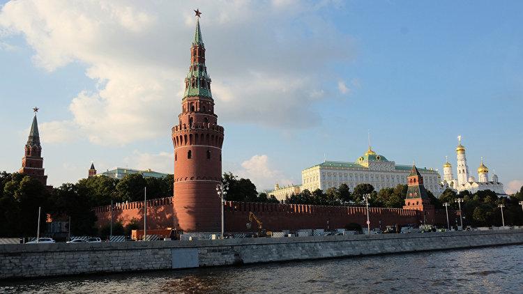 Обновленную Кремлевскую набережную в российской столице навсе 100% открыли для машин ипешеходов