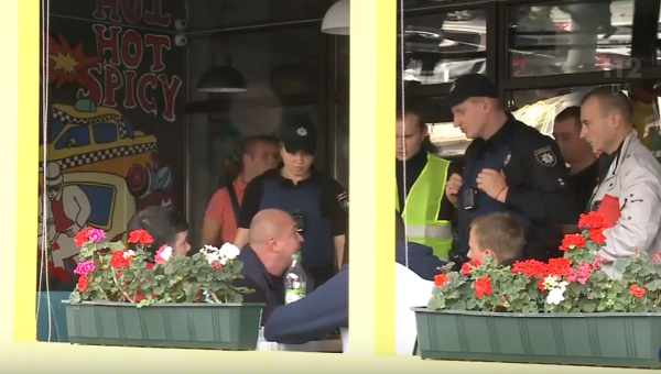 Пытался вылететь заграницу: стрелка изкиевского кафе задержали ваэропорту