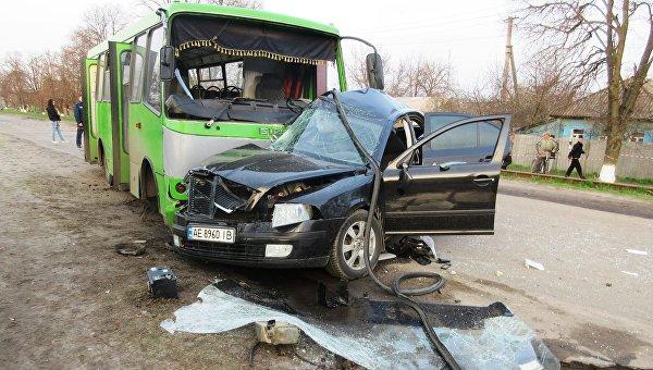 Шокирующее смертельное столкновение автобуса савтомобилем произошло вБалаклее