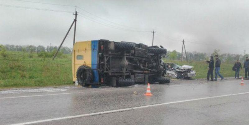 Вужасном ДТП под Харьковом погибли четыре человека