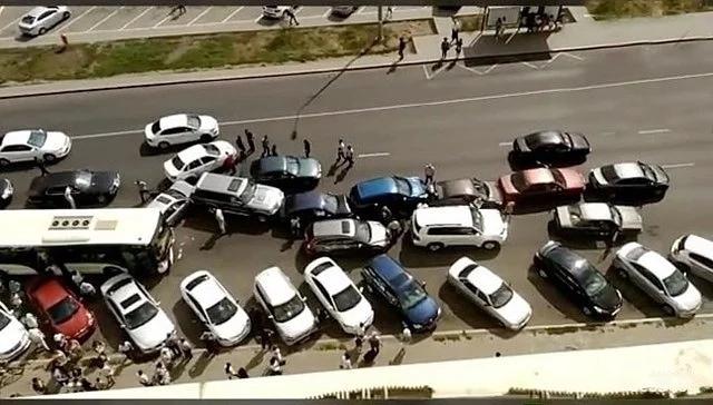 ДТП сучастием автобуса и 9-ти машин случилось вАстане