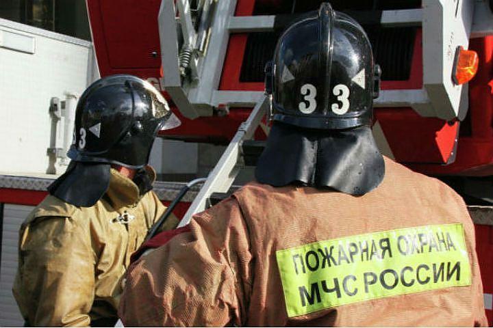 Изгорящего дома вТюмени спасли 2-х детей
