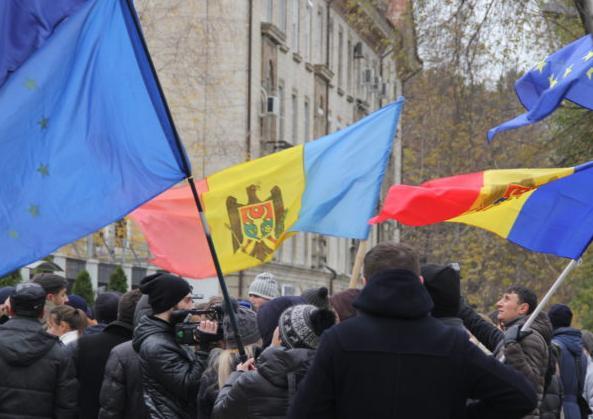 ВКишиневе протестующие потребовали отмену президентских выборов