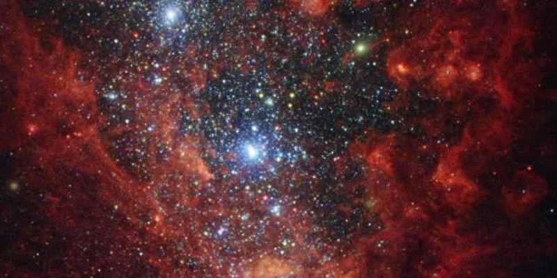"""Хаббл нашел галактику, которая """"трещит по швам"""""""